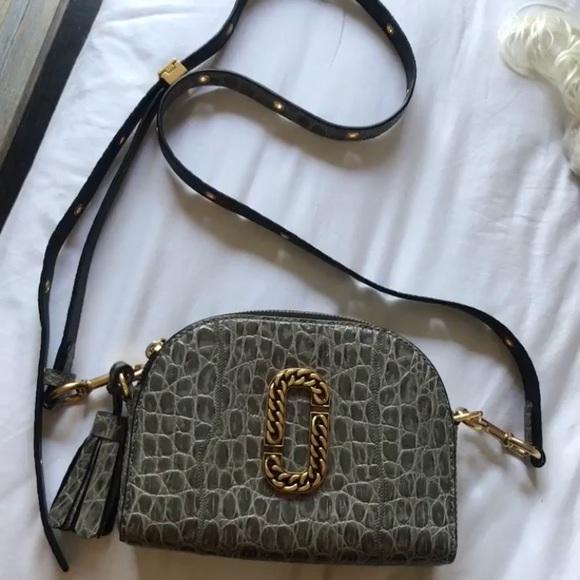 7f531a1831 Marc Jacobs Embossed Snapshot bag. M 5be8b1fde944ba593e93b885